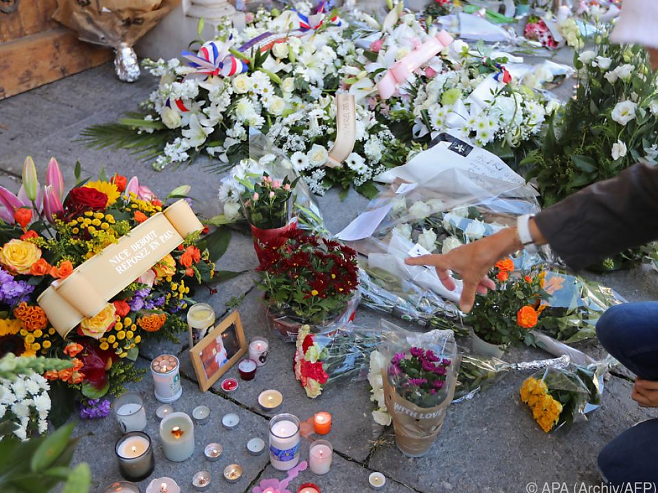 Gedenkstätte nach Messerattacke in Nizza