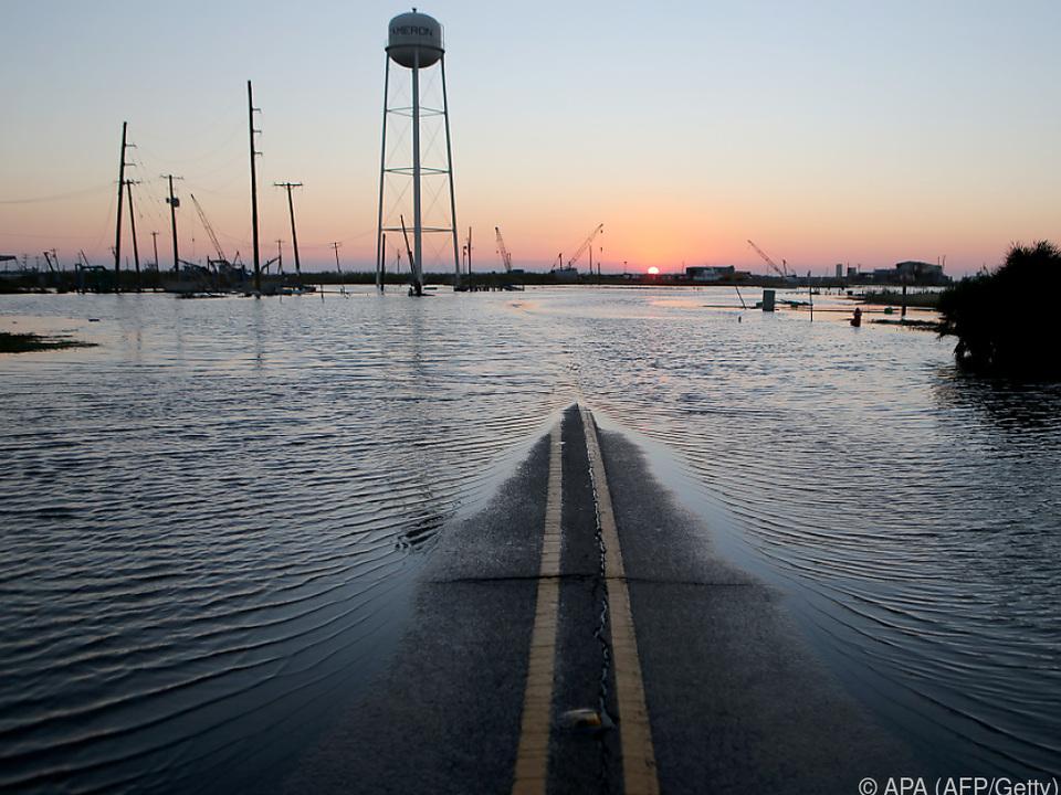 Heftige Regenfälle überfluteten einige Landstriche