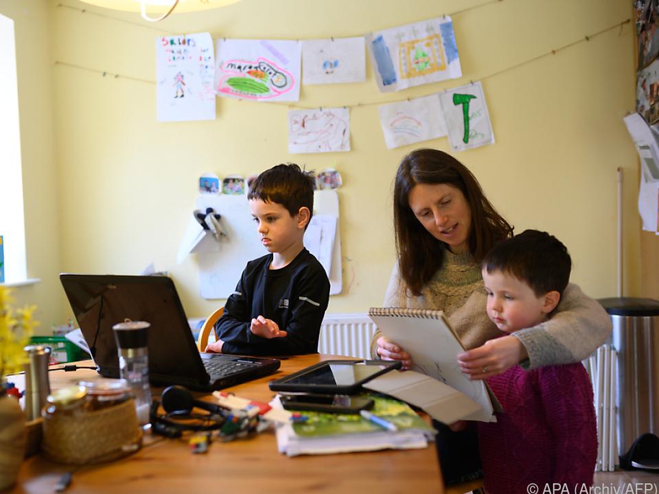 Homeschooling blieb oft bei den Müttern hängen homeschooling
