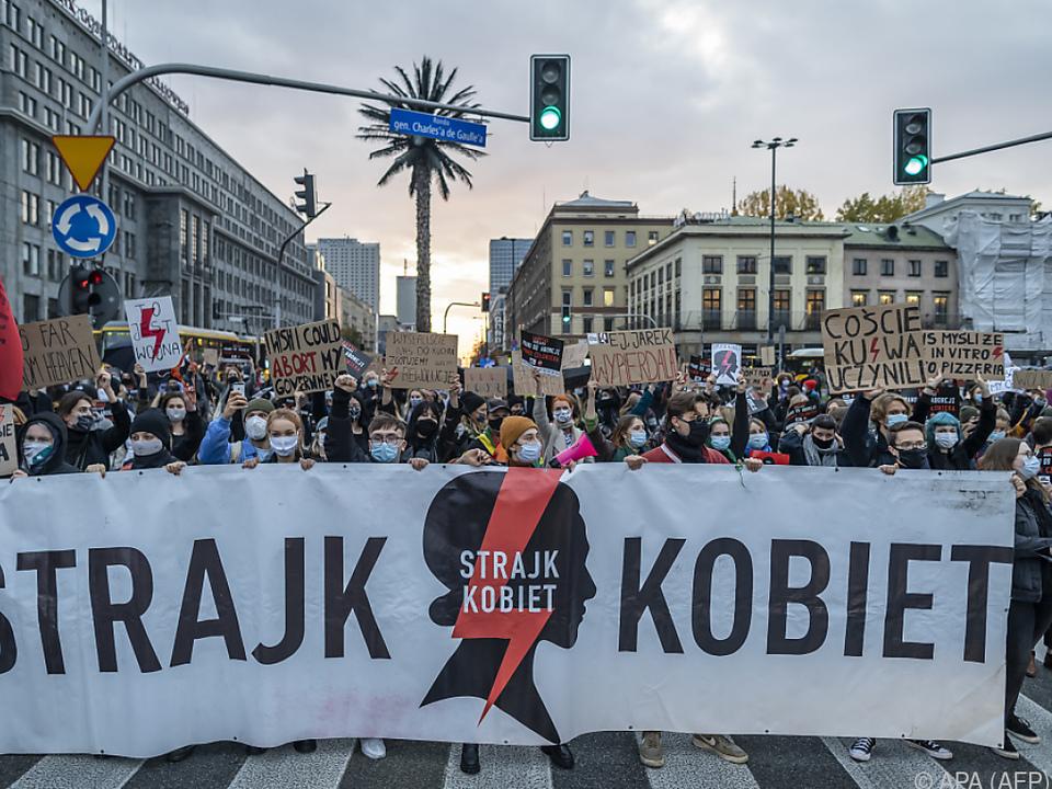 In Polen wird gegen Abtreibungsrechtsverschärfung protestiert