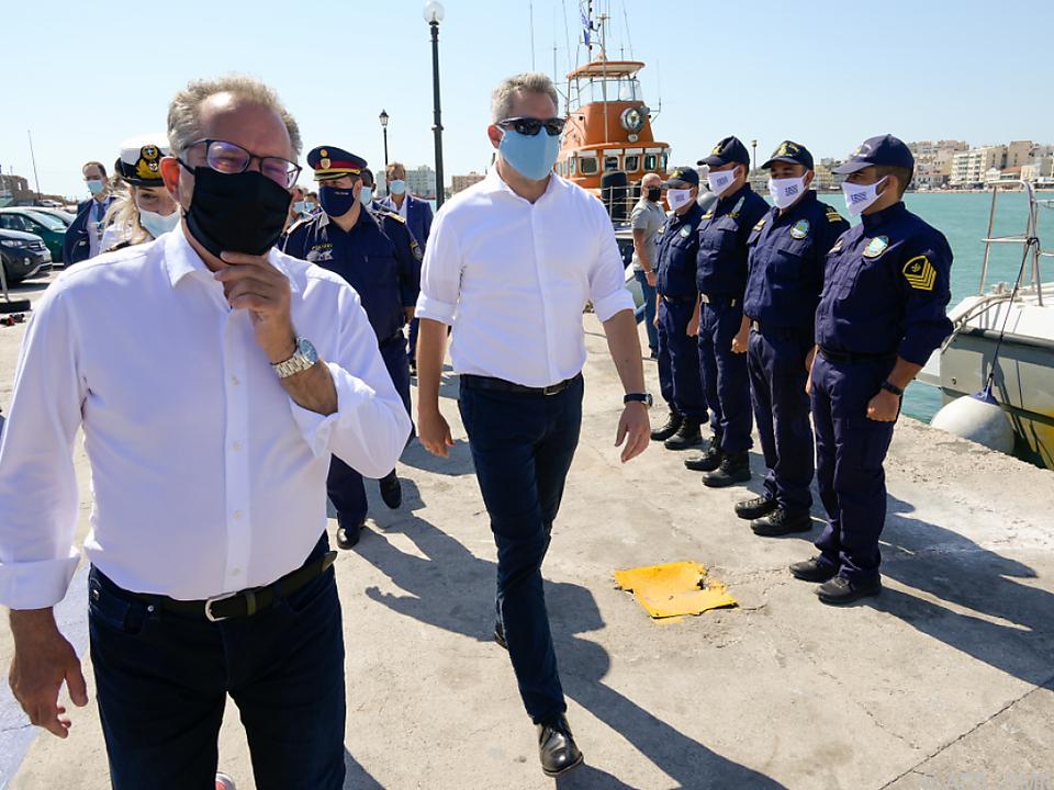 Innenminister Nehammer flog persönlich nach Griechenland