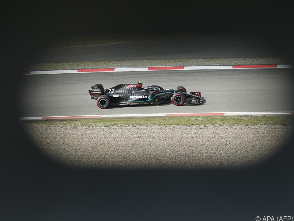 Mercedes-Pilot Bottas mit Bestzeit