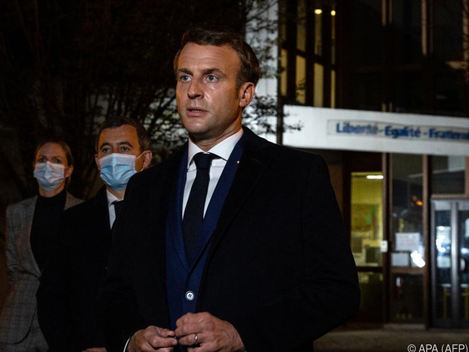 Präsident Emmanuel Macron zeigte sich schwer schockiert