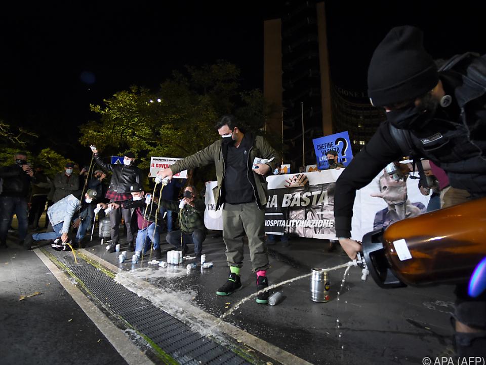 Proteste gegen verschärfte Corona-Schutzmaßnahmen