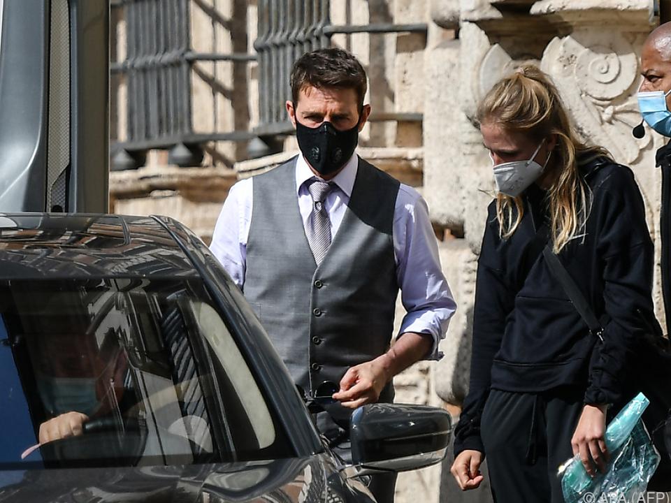 Tom Cruise trägt auch Maske im Freien