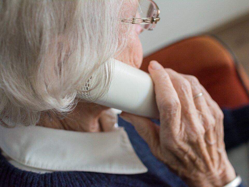 Senioren alt Telefon