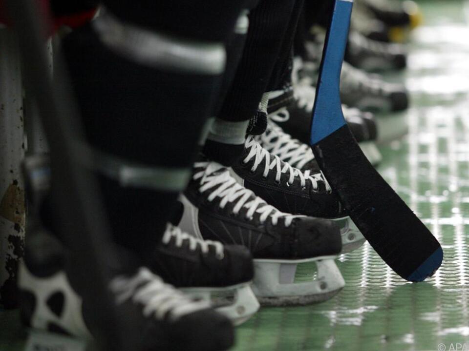 Zahlreiche Eishockeyspieler haben eine Zwangspause