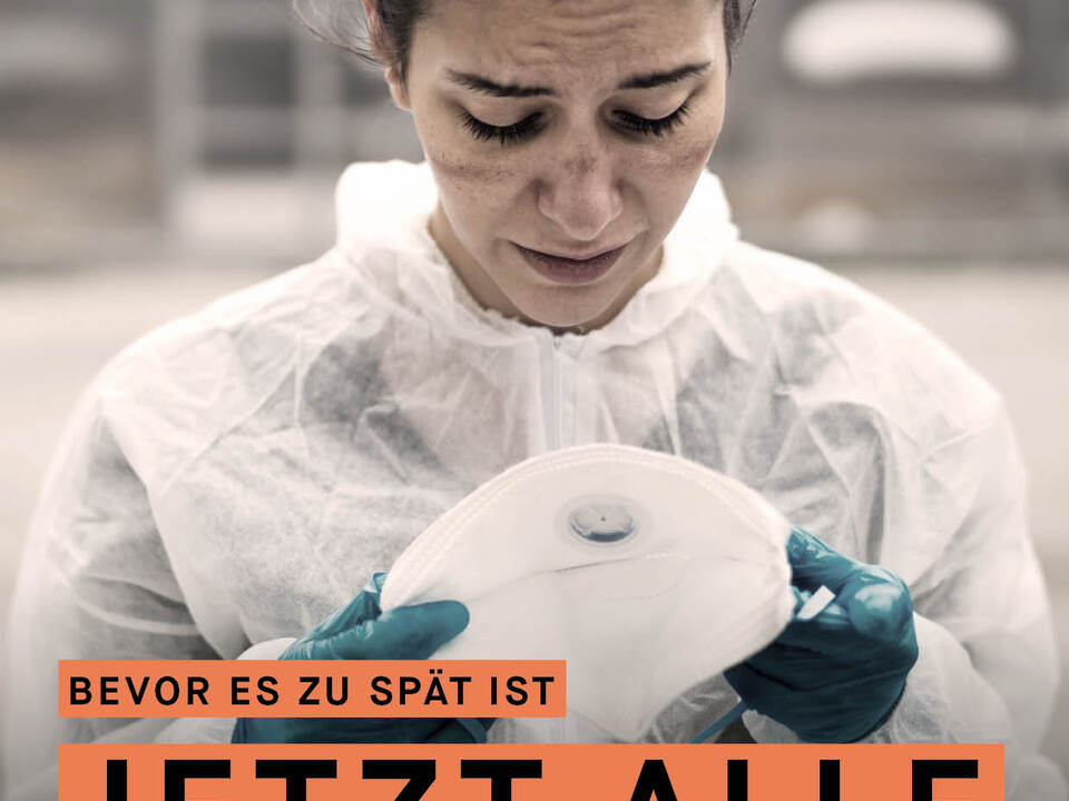 1086587_APS_COV_A4_Krankenschwester