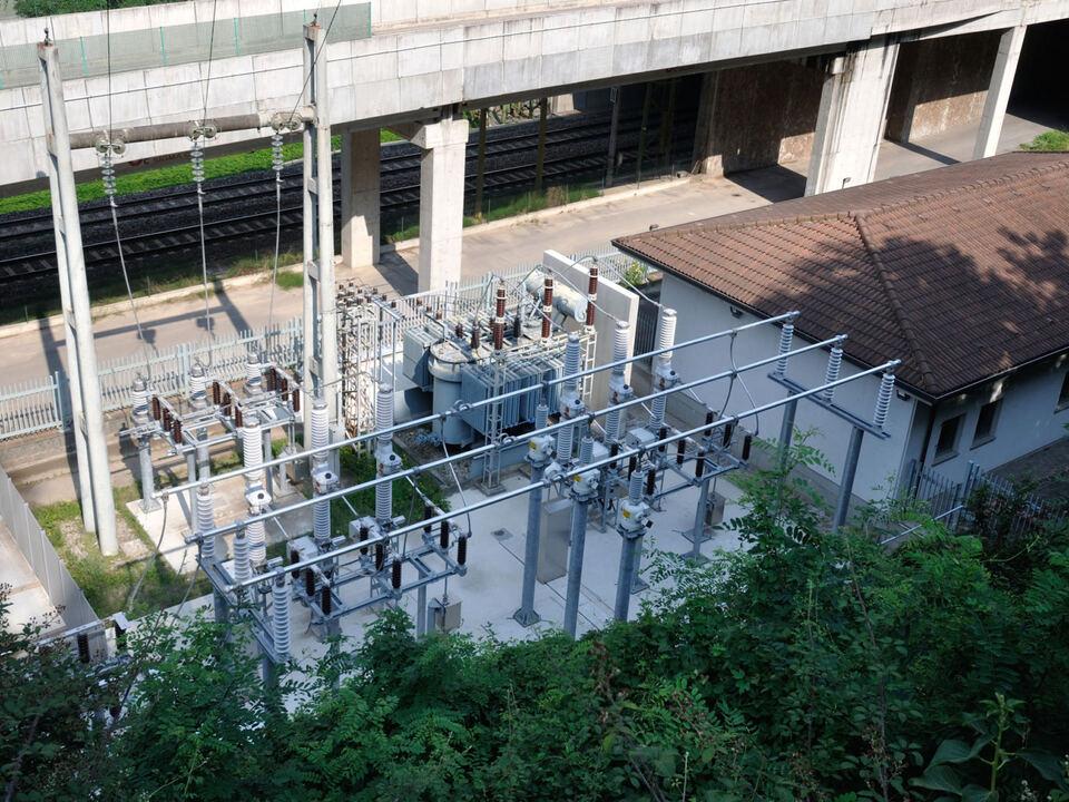 Zahlreiche Maßnahmen zur Aufwertung der Umwelt können mit den Umweltgeldern des Kraftwerks Waidbruck (im Bild) durchgeführt werden. (Foto: Alperia)