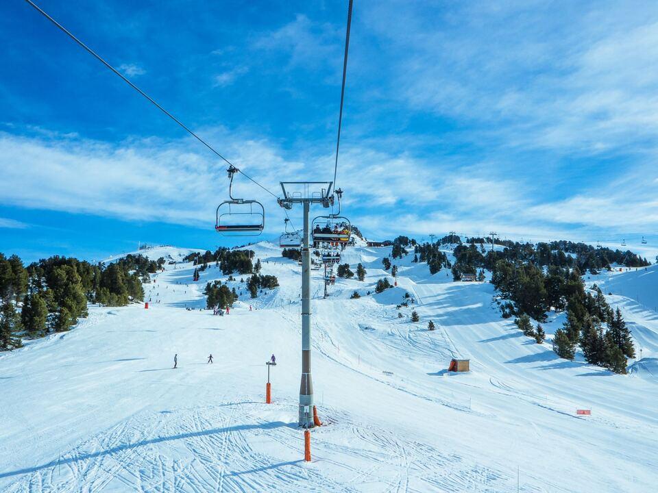 Skilift Skigebiet Ski leer sym