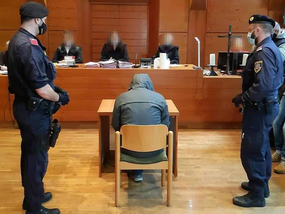 40-Jähriger in 15 Punkten angeklagt