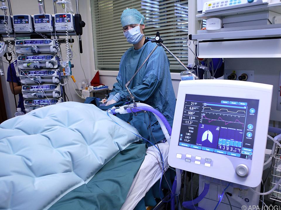 432 Menschen benötigen intensivmedizinische Versorgung