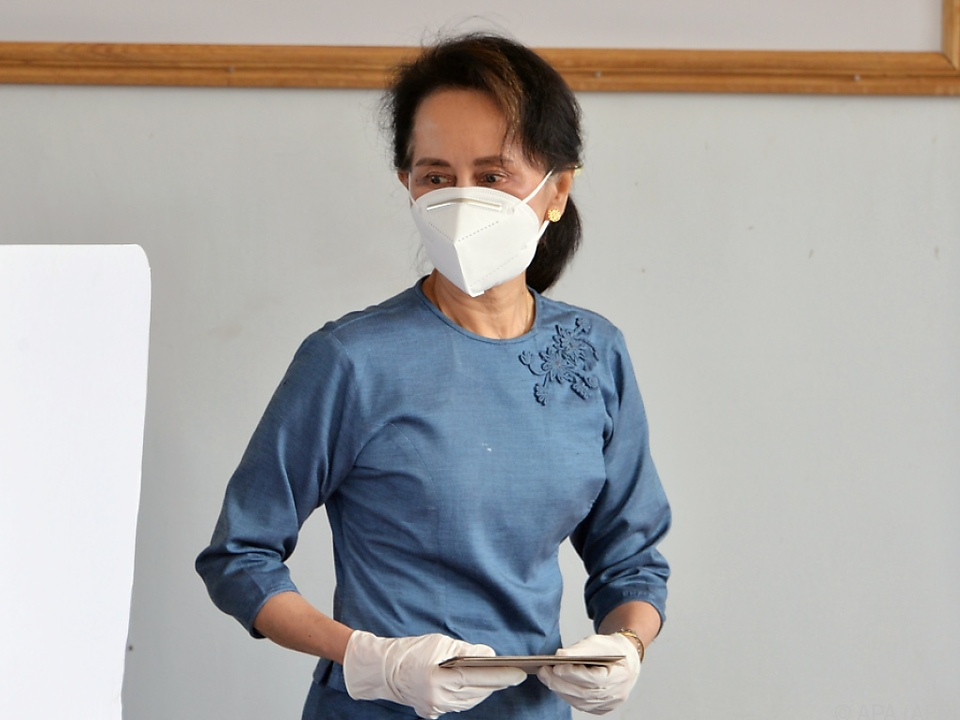 Aung San Suu Kyi gilt als klare Favoritin