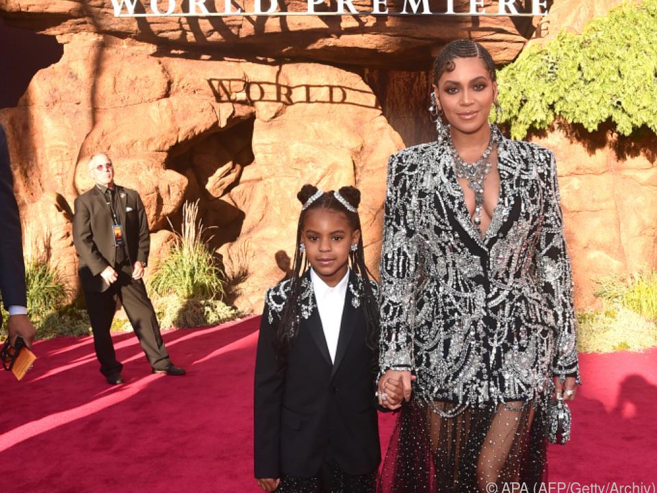 Blue Ivy Carter gemeinsam mit ihrer Mutter Beyoncé