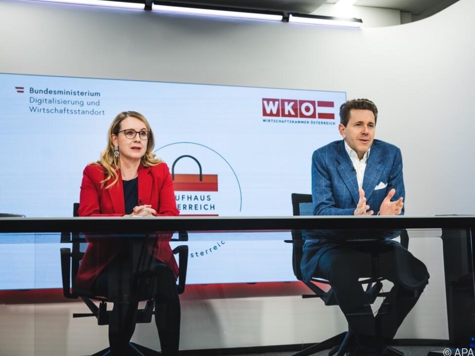 Bundesministerin Margarete Schramböck und WKÖ-Präsident Harald Mahrer