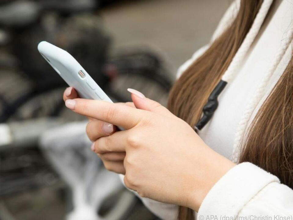 Chatten über Geräte- und App-Grenzen hinweg soll der SMS-Nachfolger RCS können