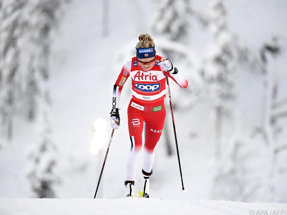 Den Sieg sicherte sich Therese Johaug (NOR)