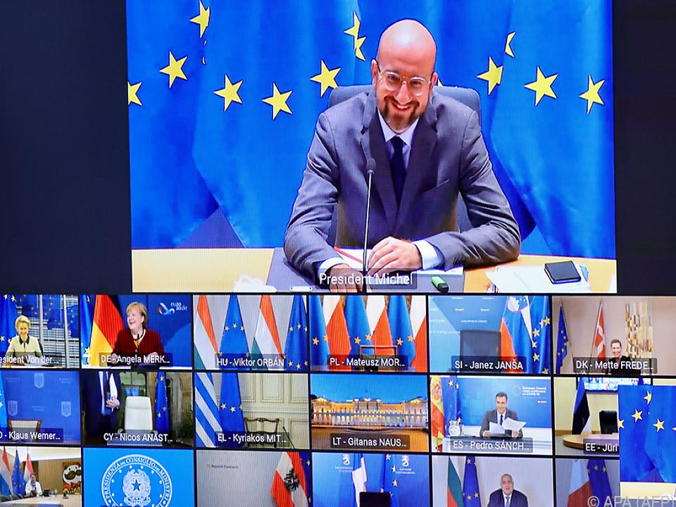 Merkel nach EU-Gipfel auf Lösungssuche im Haushaltsstreit