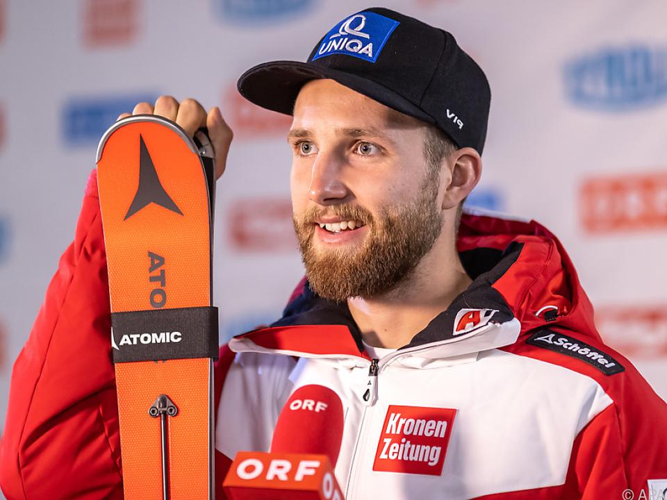 Der Skirennläufer kann nicht beim Heimrennen antreten