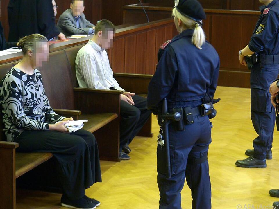 Die Eltern der 13-Jährigen stehen erneut vor Gericht