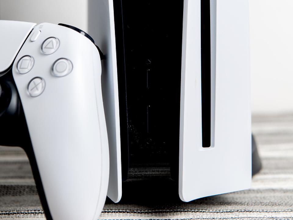 Die Playstation 5 gibt es in zwei Varianten - hier die Version mit Blu-ray-Laufwerk