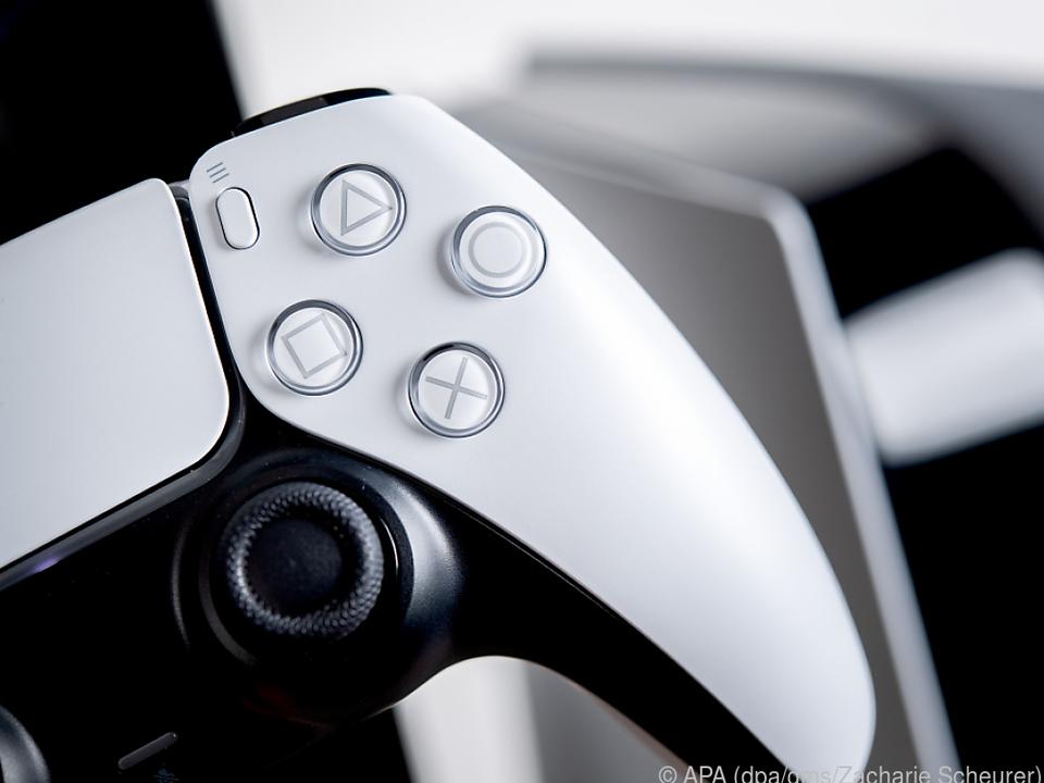 Der DualSense genannte Controller der Playstation 5 fällt schon optisch auf