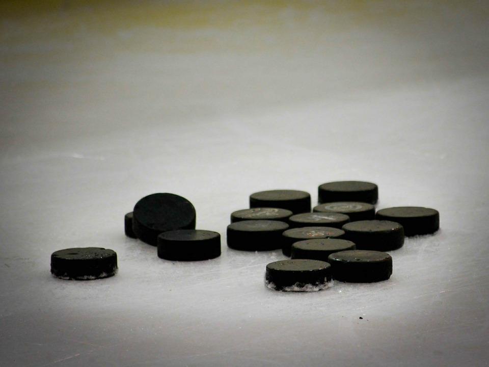 Eishockey_hockey_su_ghiaccio_Credits_Pixabay