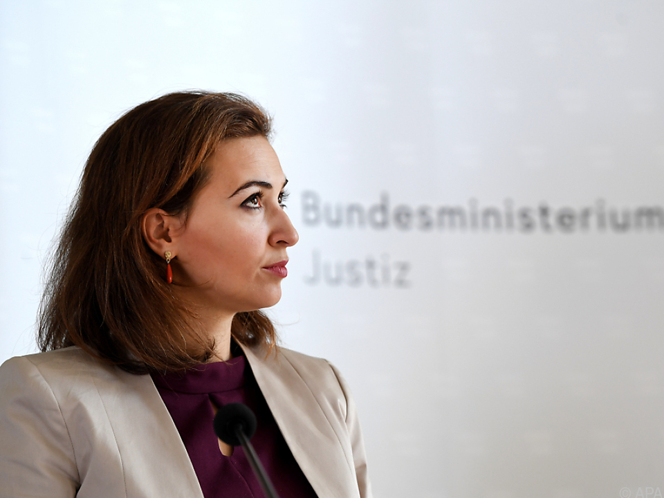 Justizministerin Alma Zadic: Zweiter Bericht für Veröffentlichung
