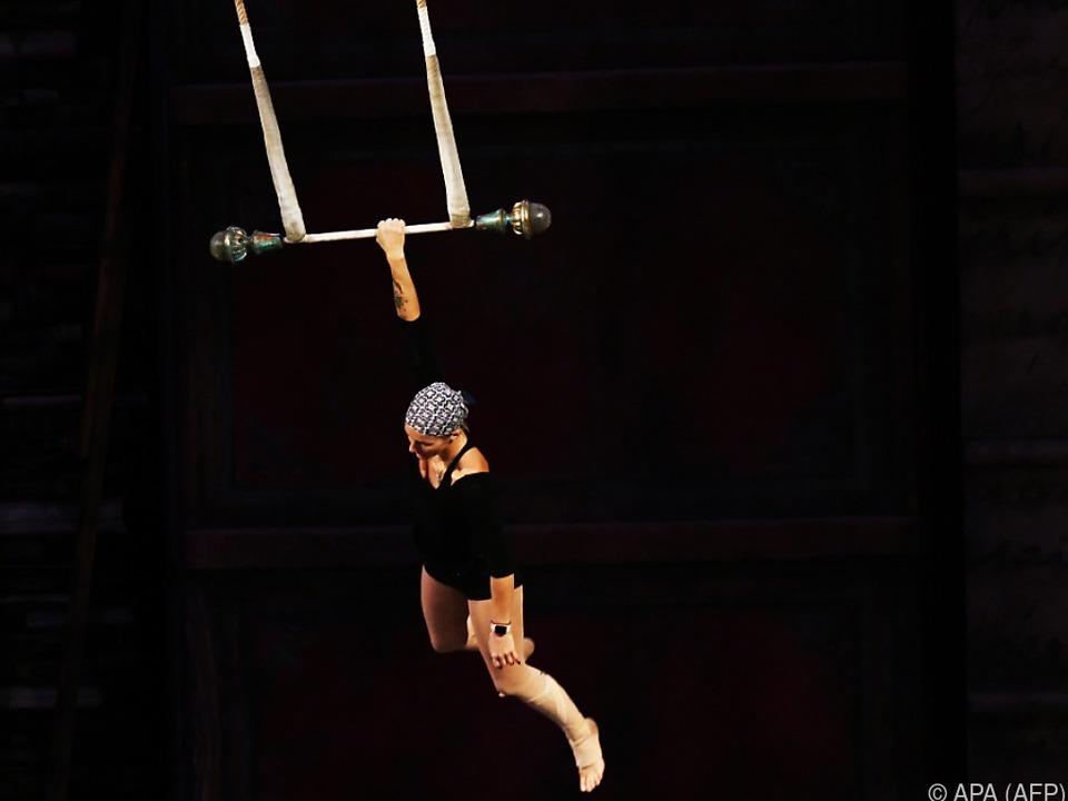 Mitglied des Cirque du Soleil bei Proben