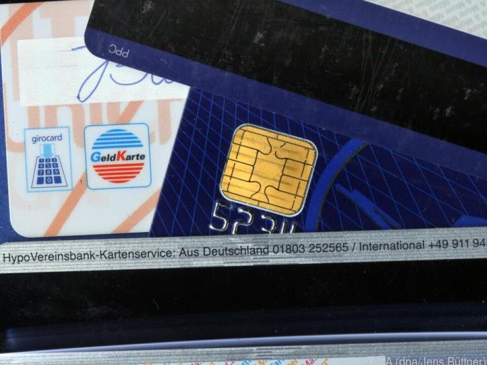Karten mit Magnetstreifen besser nicht in die Nähe der iPhone-12-Magneten bringen