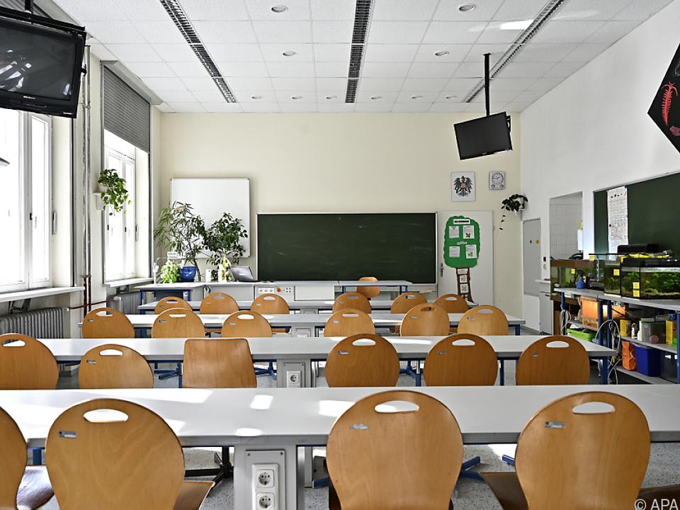 Klassen bleiben nun wieder großteils lees