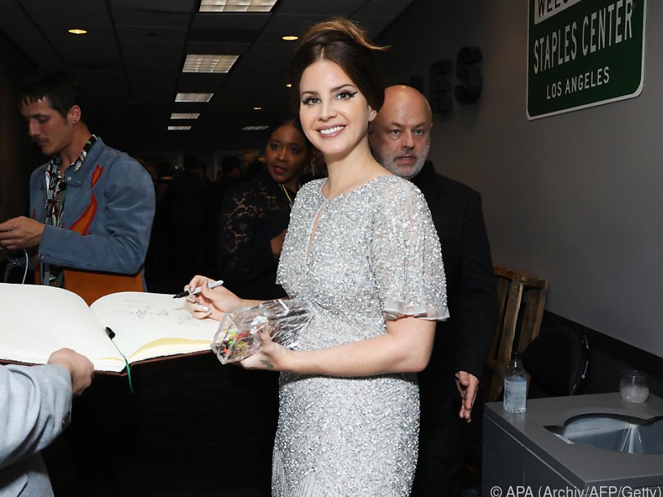 Lana Del Rey veröffentlichte ihr erstes Buch