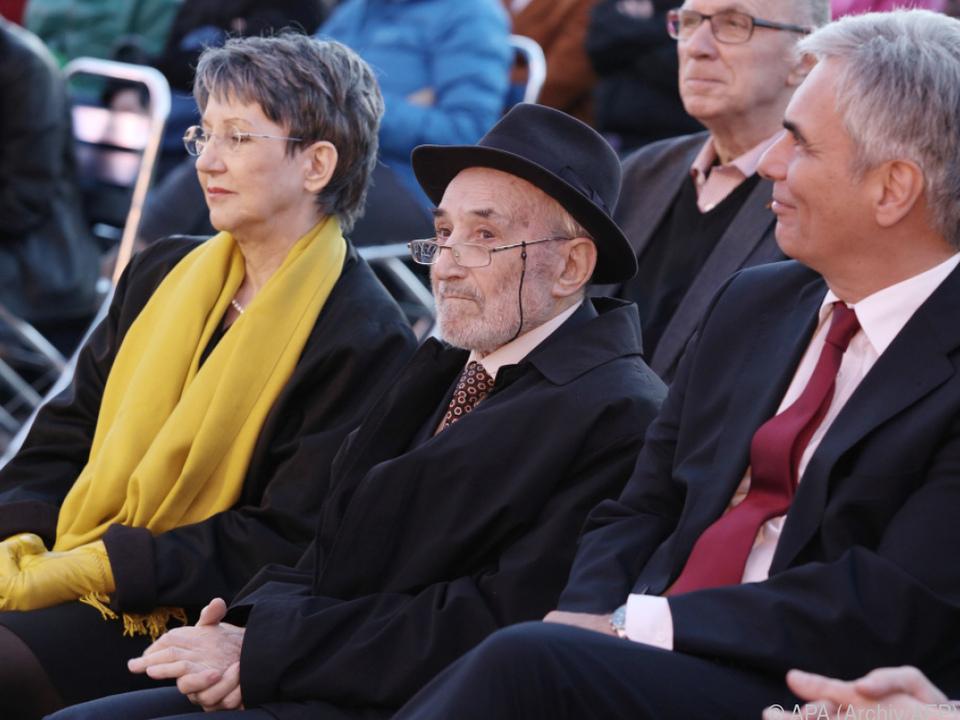 Lewit überlebte das Konzentrationslager Mauthausen
