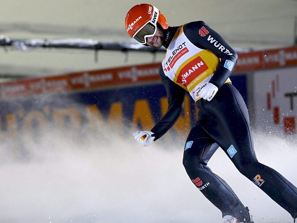 Markus Eisenbichler freut sich über seinen zweiten Saisonsieg