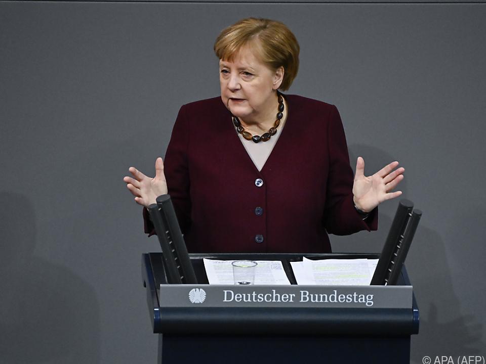 Merkel denkt an EU-Verbot von Skiferien in den Alpen