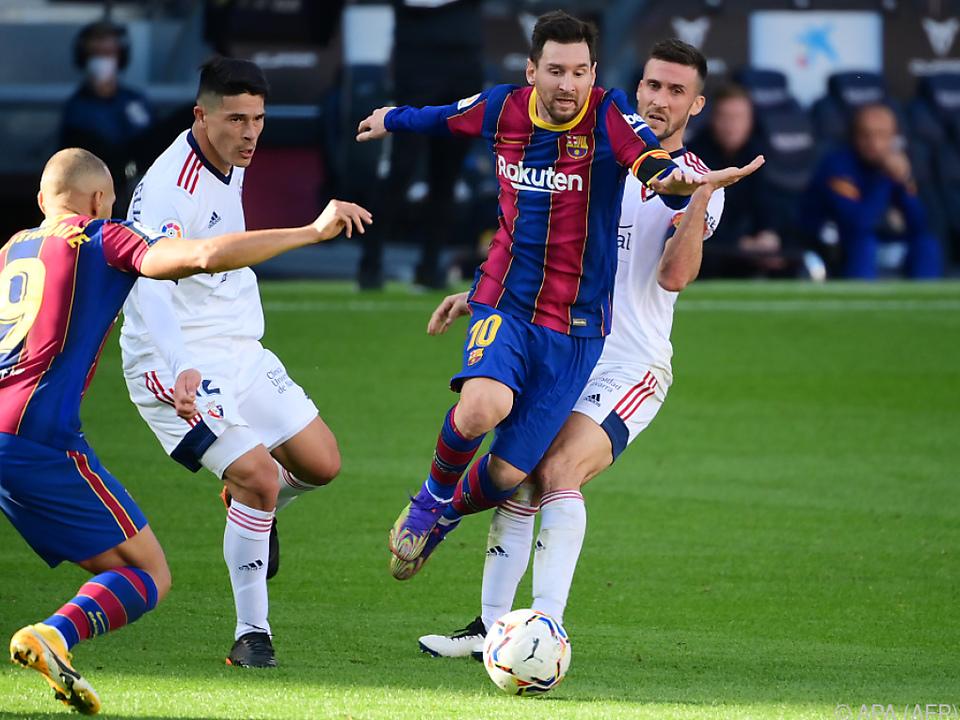 Messi tanzt durch die Reihen