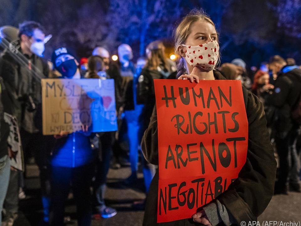 Proteste halten an