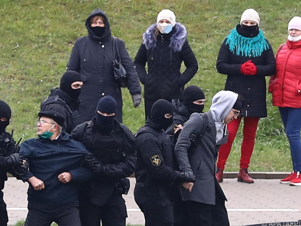 Proteste in Weißrussland gehen weiter - Polizei greift brutal durch