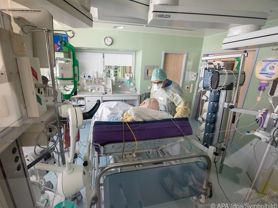 Rund 550 Betten von 2.000 Intensivbetten sind bereits belegt
