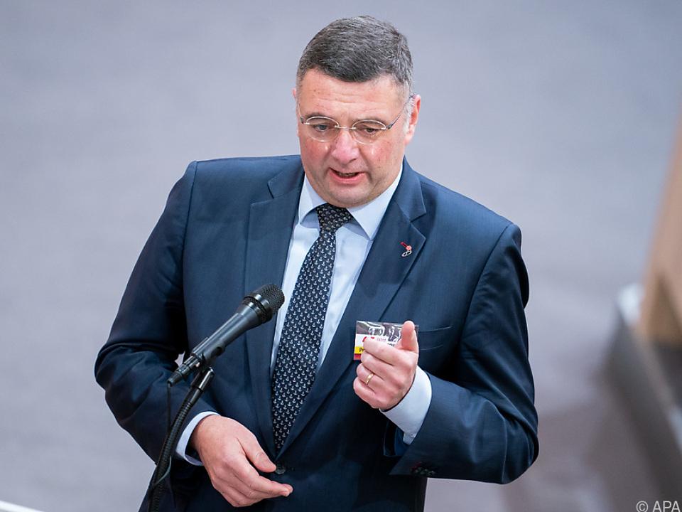 Stv. SPÖ-Vizeklubchef Leichtfried geht Regierung scharf an