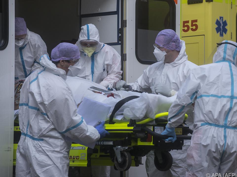 corona maske krankenhaus sym intensiv Tschechien hat eine der höchsten Infektionszahlen Europas