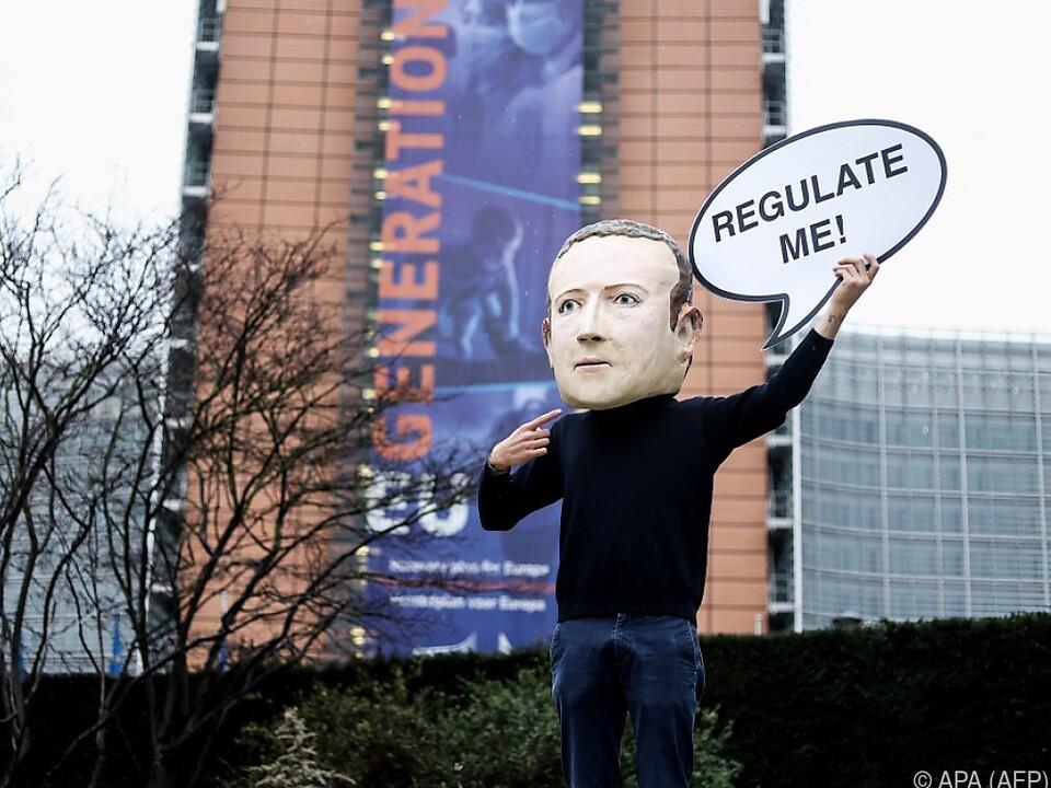 EU präsentiert Regeln für Internetkonzerne
