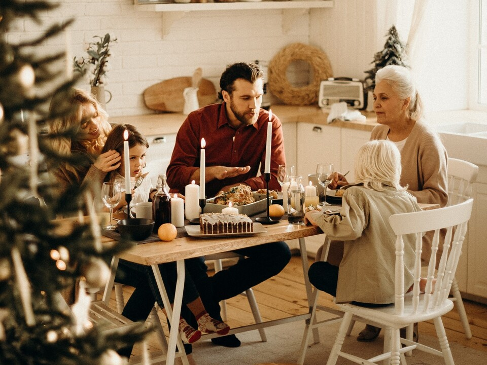 1092316_WeihnachtsfeierOmaPexels