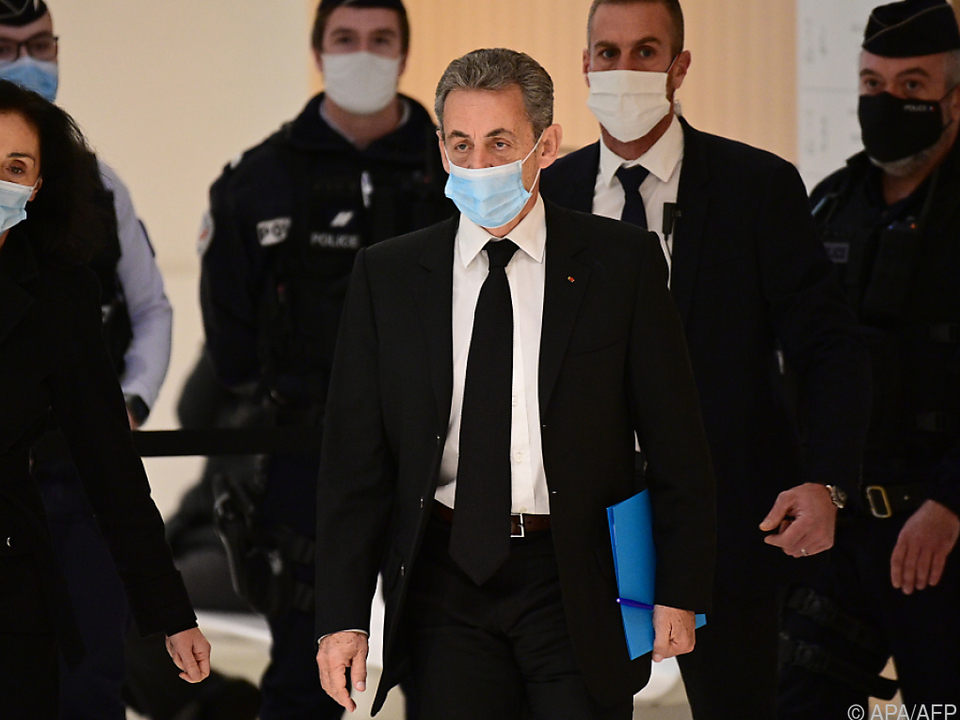 Frankreichs Ex-Präsident Sarkozy vor Gericht