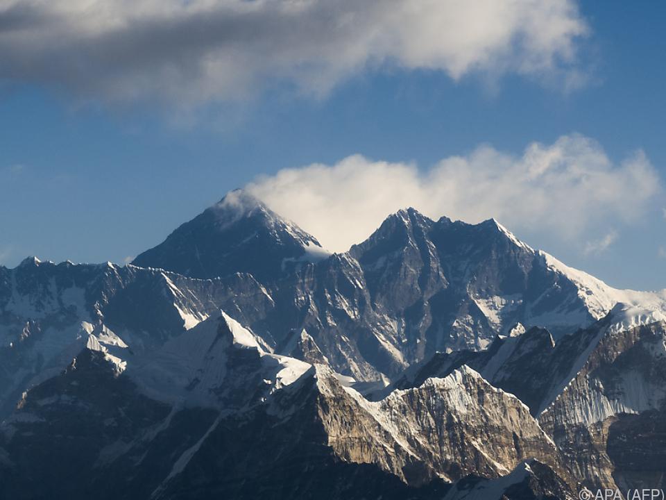 8.848 Meter und 86 Zentimeter ist der Everest hoch