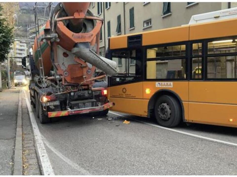 aa-Bus