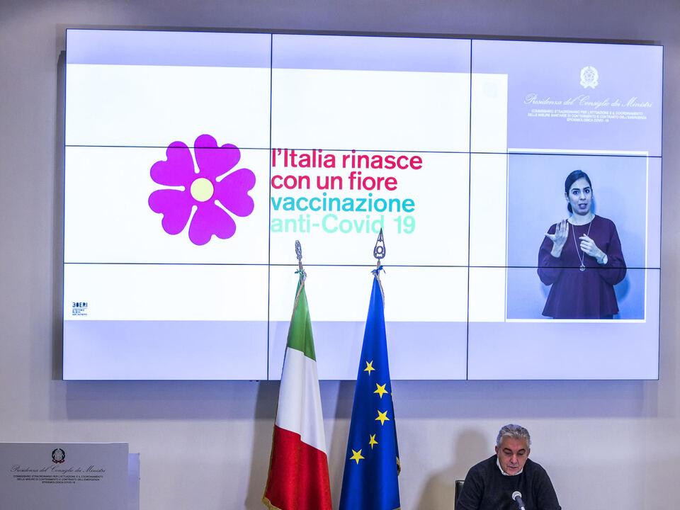 Il Commissario straordinario per l\'emergenza Covid-19, Domenico Arcuri, durante la conferenza stampa sul piano della campagna vaccini anti Covid, Roma, 13 dicembre 2020. , athesiadruck2_202012131909409_a8f5bc5023017d5b468a63ecf9bb3300