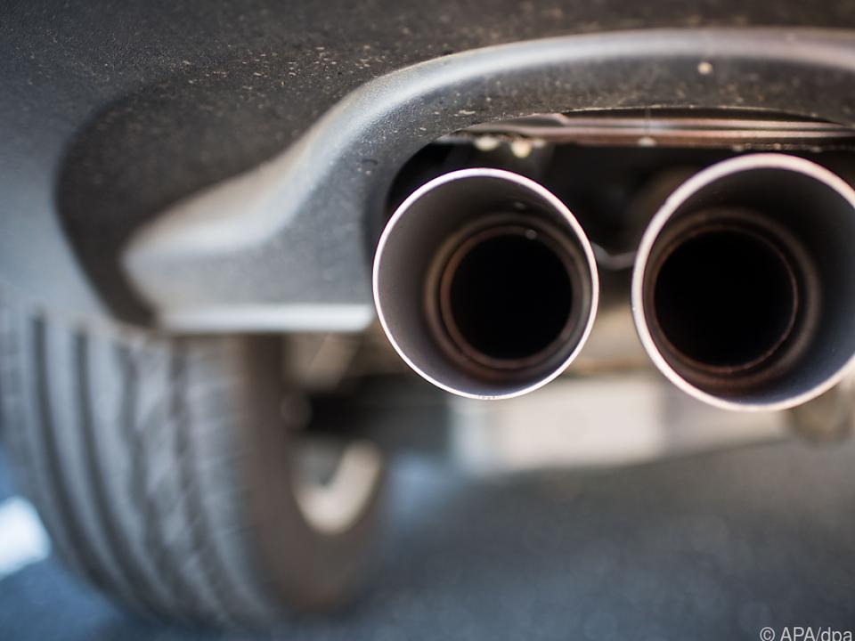 Autoverkäufe im Coronakrisenjahr 2020 spürbar gebremst