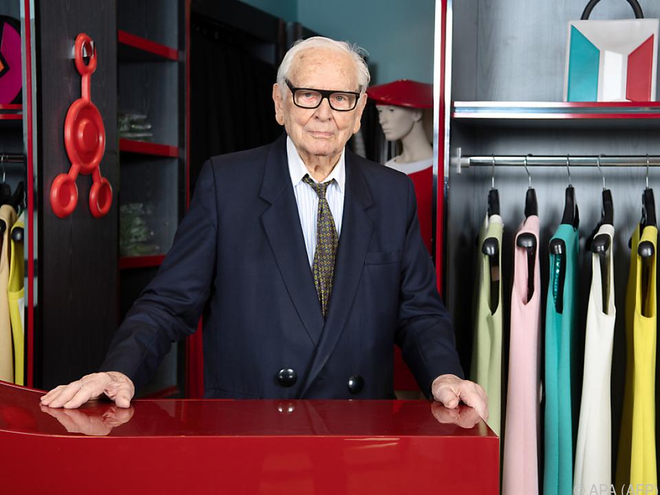 Cardin gründete 1950 sein eigenes Modehaus