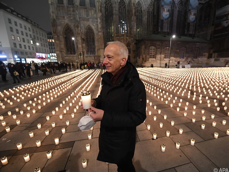 Caritas-Präsident Michael Landau bei Gedenken vor dem Stephansdom